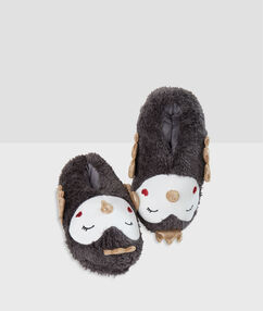 Chaussons pingouins gris.