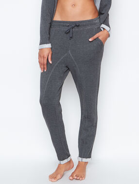 Pantalon coupe loose gris.