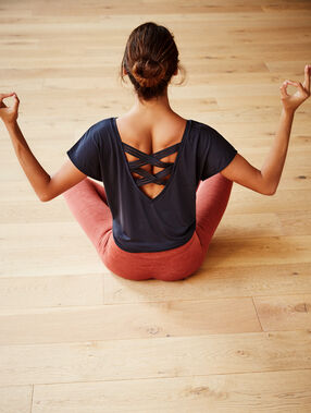 """T-shirt """"yoga therapy"""" anthracite."""