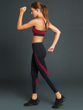Pantalon de sport 7/8 ultra stretch noir.