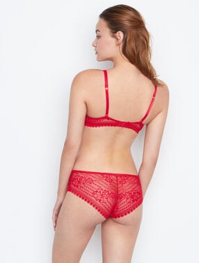 Shorty dentelle rouge.