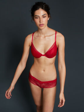 Shorty en dentelle florale rouge.