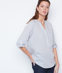Chemise manches 3/4 col v gris.