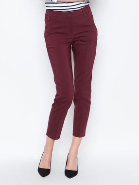 Pantalon cigarette prune.