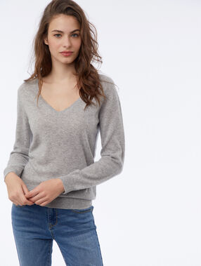 Pull col v 100% cachemire gris chiné.