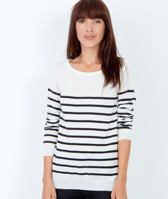 Pull en maille à rayures, style marinière blanc.