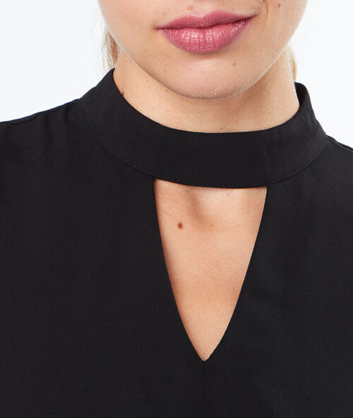 Top sans manches col choker