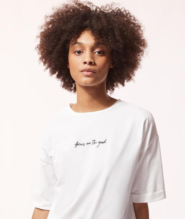 "T-shirt ""Focus on the good"";${refinementColor}"