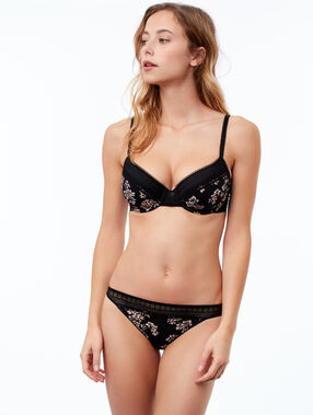 String en microfibre, bords dentelle noir.