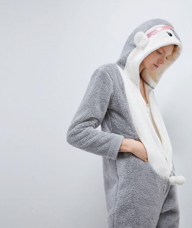 Combinaison pyjama pingouin gris.