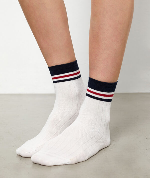 Chaussettes courtes sporty à rayures;${refinementColor}