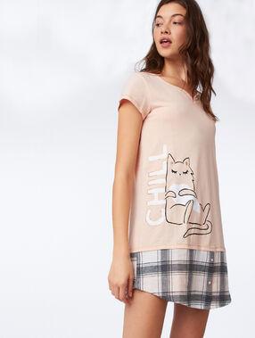 """Chemise de nuit """"chill"""" pêche."""