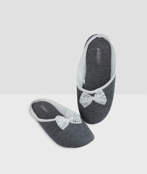 Chaussons noeuds dentelle