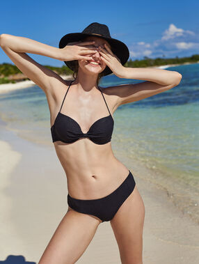 Bas de bikini shorty noir.