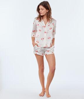Chemise de pyjama ecru.