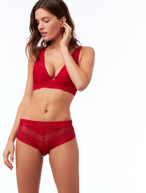 Shorty en dentelle rouge.