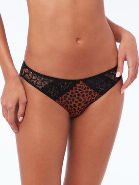 Culotte en dentelle léopard.