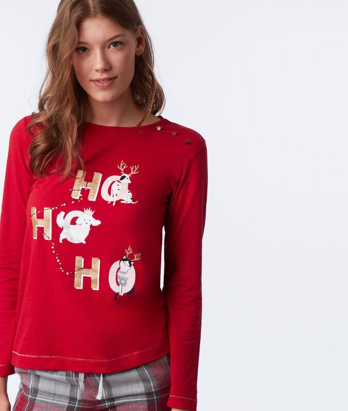 T-shirt avec détails épaule rouge.