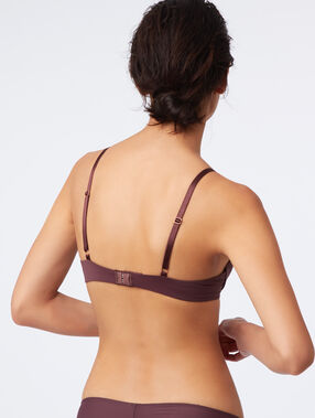 Soutien-gorge n°2 - push-up plongeant en microfibre marron.