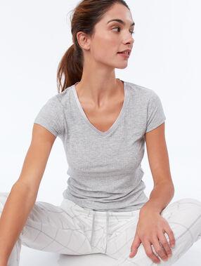 T-shirt cottelé décolleté satin gris.