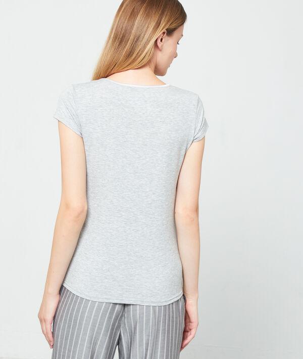 T-shirt décolleté V satiné;${refinementColor}