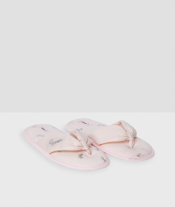 Chaussons tongs rose.