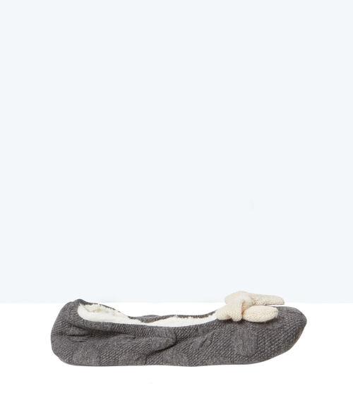 Ballerines chaussons fourrées, détail noeud