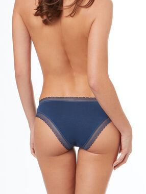 Culotte en modal doux, bords dentelle bleu.