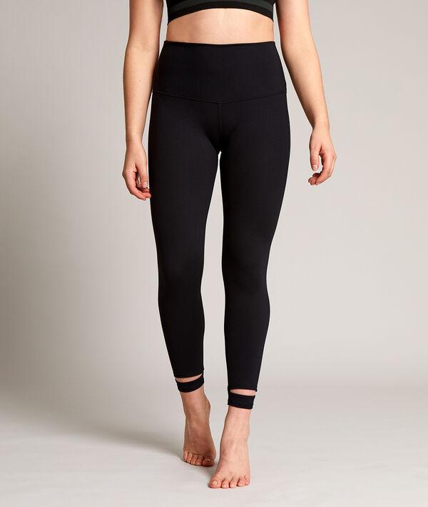 Legging de yoga court, détails aux chevilles;${refinementColor}