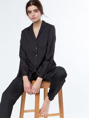 Chemise de pyjama d'homme noir.