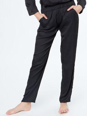 Pantalon satin noir.