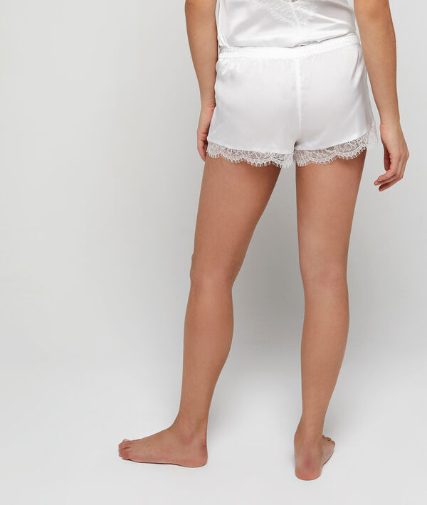 Short de pyjama satiné, bords dentelle