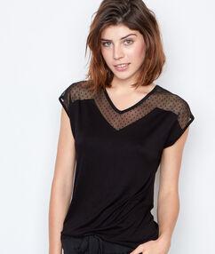 T-shirt décolleté dentelle noir.