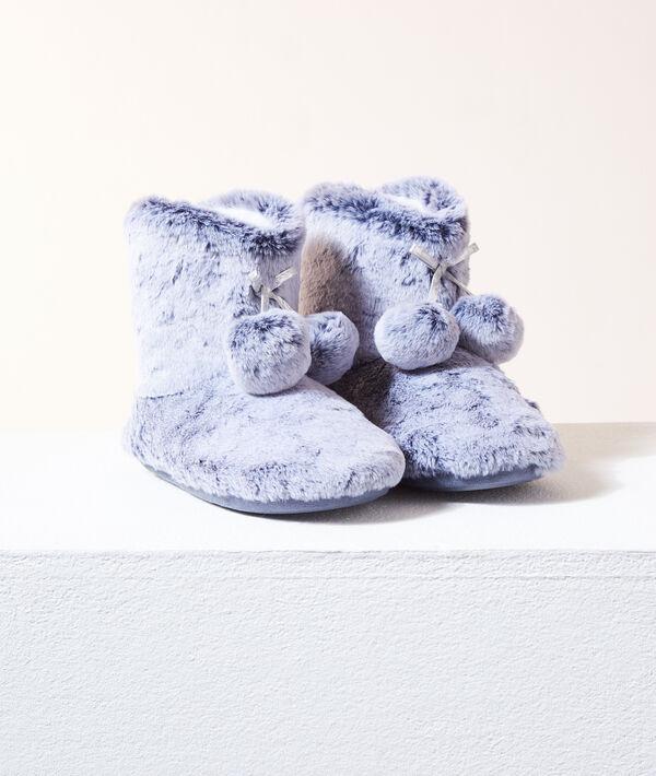 Chaussons bottines à pompons;${refinementColor}