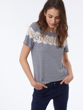 T-shirt avec dentelle fleurie bleu marine.