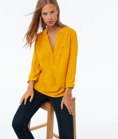 Blouse unie manches 3/4 ocre.