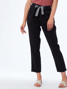 Pantalon carotte avec ceinture en tencel® noir.