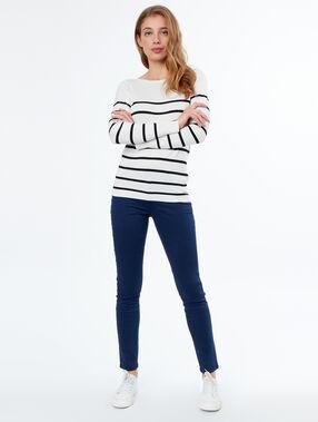Pantalon slim bleu marine.