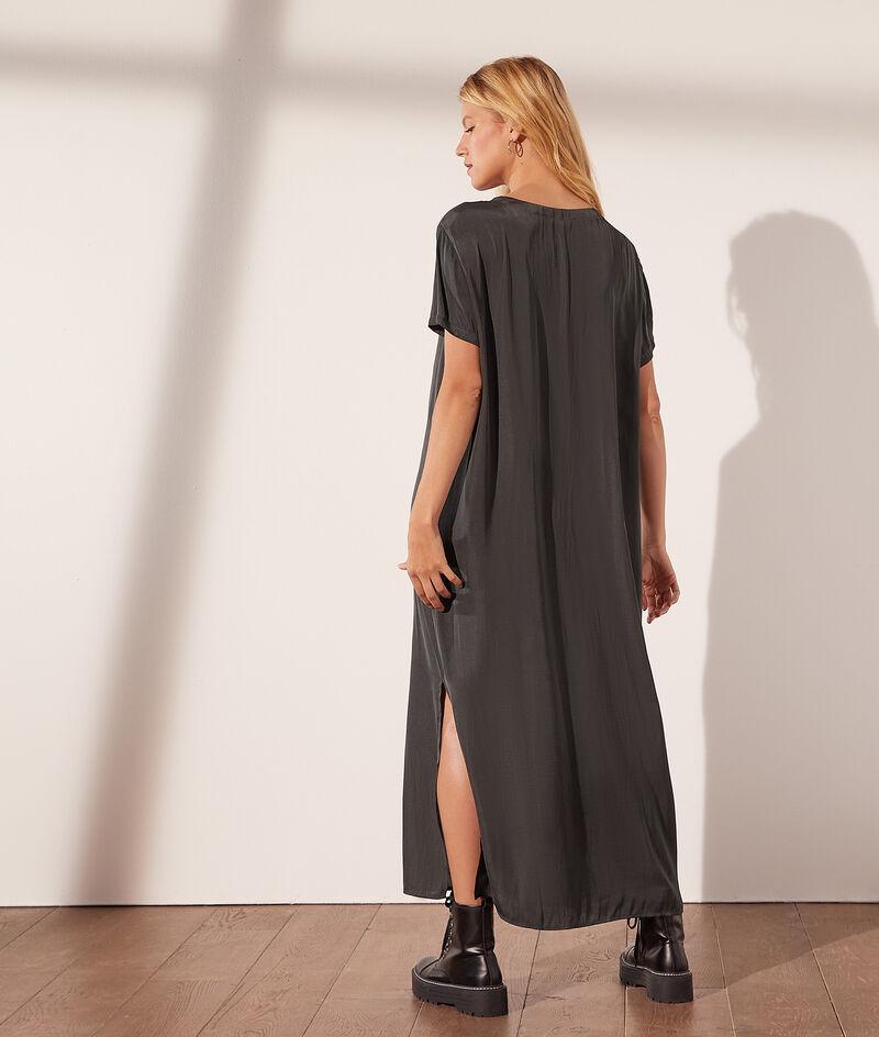 Robe longue col rond