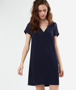 Robe formelle bleu marine.
