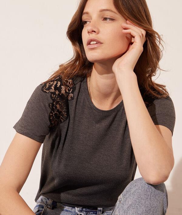 T-shirt épaules en dentelle