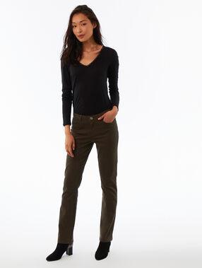 T-shirt manches longues col v noir.