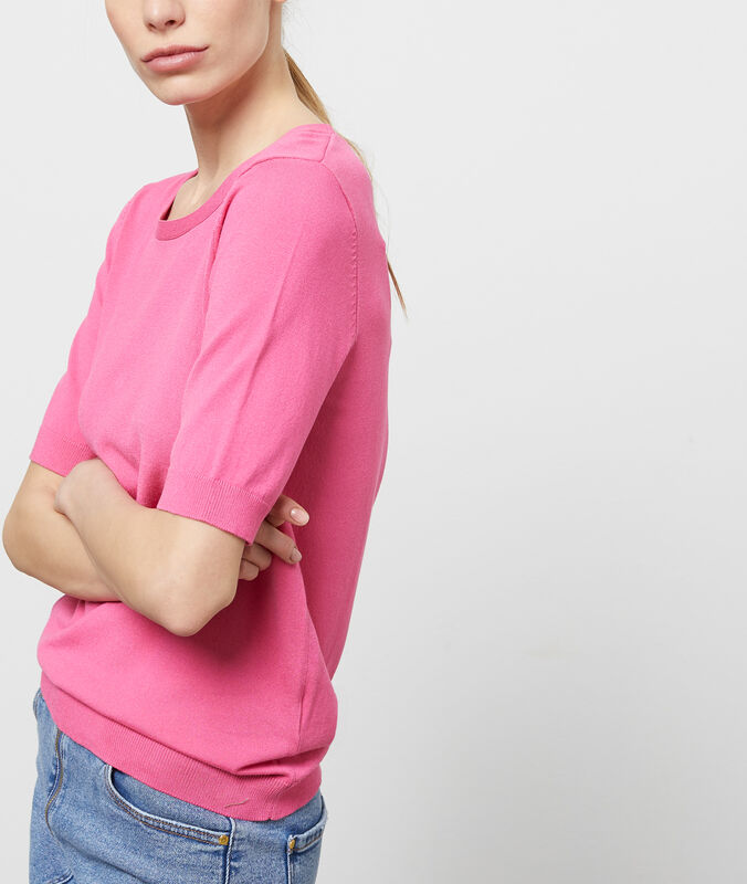 Pull manches courtes col rond rose.