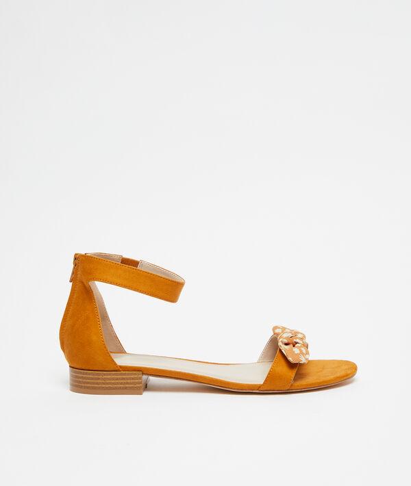 Sandales nouées