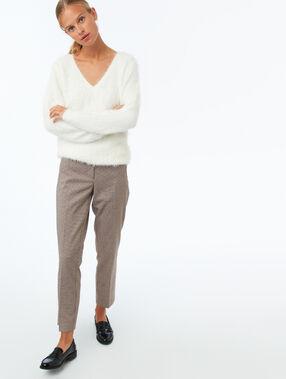 Pantalon cigarette motif pieds de poule camel.