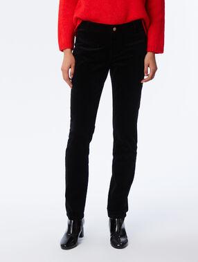 Pantalon en velours noir.