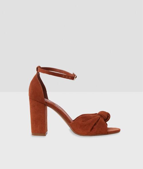 Sandales à talons avec nœud