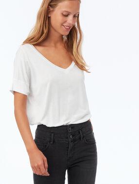 T-shirt col v blanc.