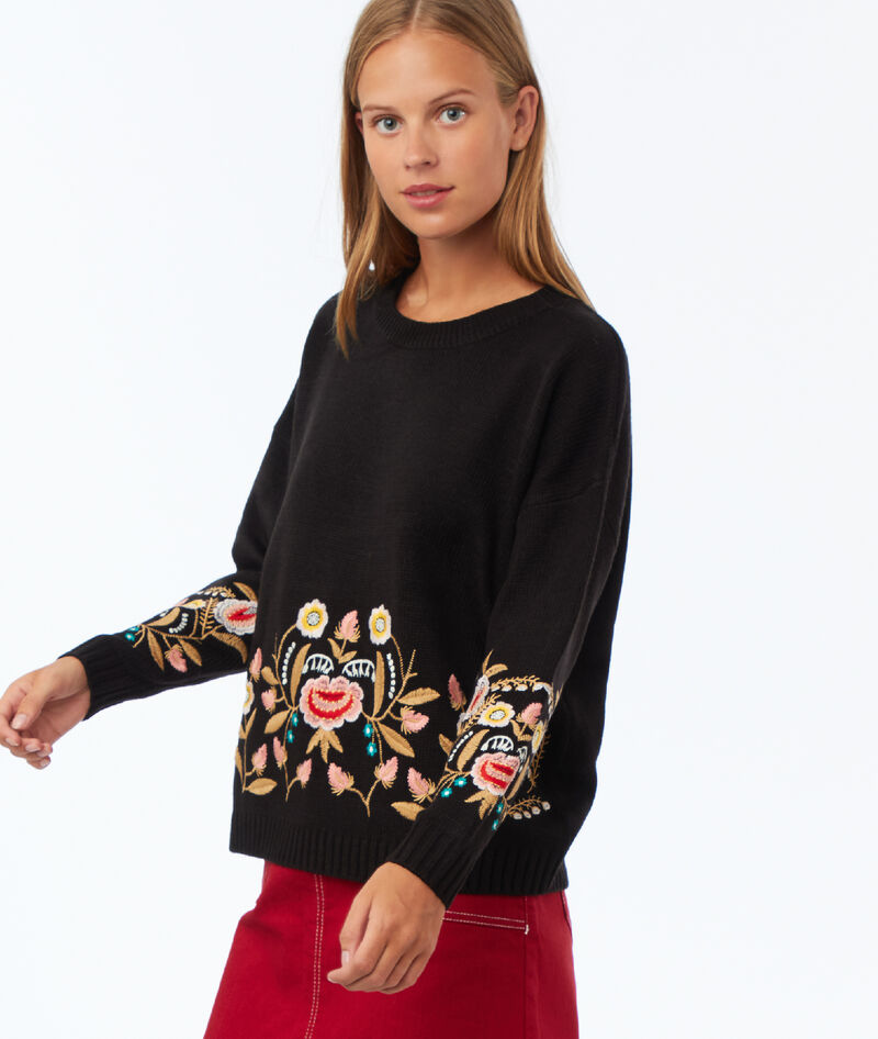 PULL AVEC BRODERIES FLEURIES
