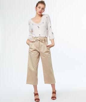 Pantalon large avec ceinture en coton écru.